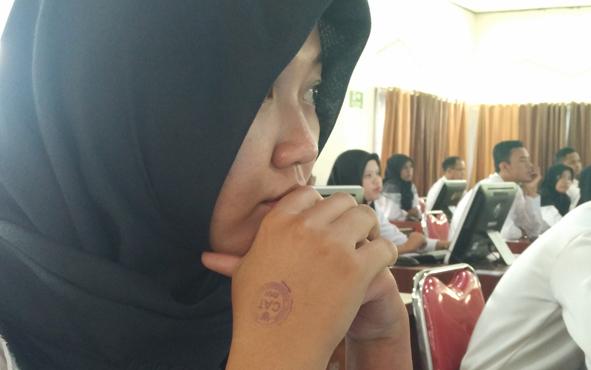Seorang peserta SKB CPNS 2018 saat hendak mengikuti tes, beberapa waktu lalu.