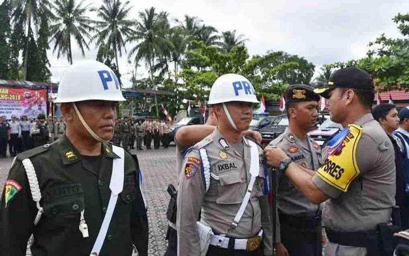Penyematan pita operasi Lilin Telabang 2018 di Kabupaten Barito Utara.
