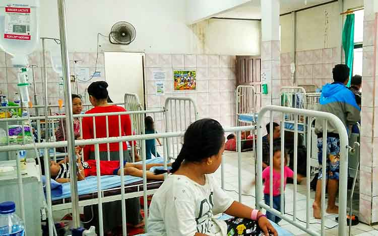 Pasien anak yang menjalani rawat inap di RSUD dr Doris Sylvanus Palangka Raya.