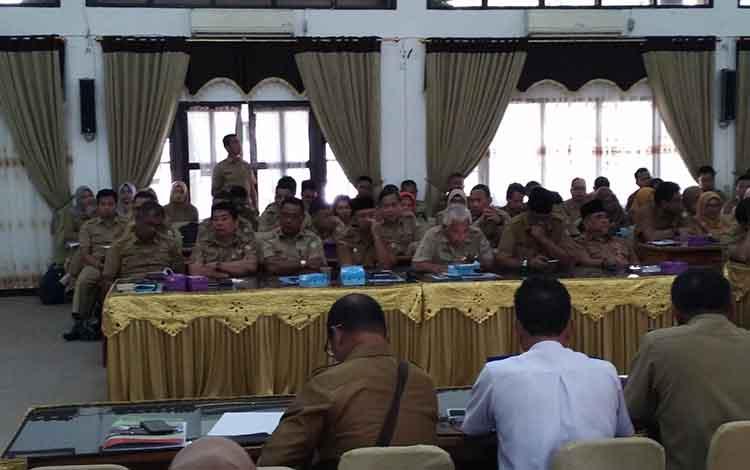 Rapat evaluasi Pemkab Kotim.