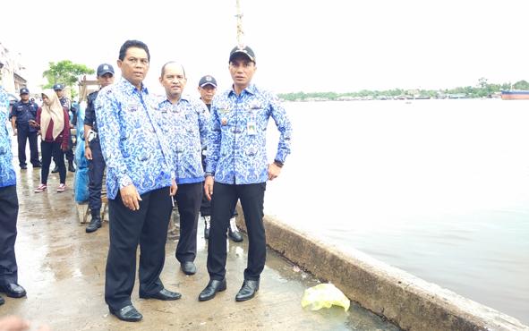Bupati Kotim Supian Hadi bersama sejumlah kepala SOPD di Kotim.
