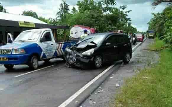 Kecelakaan lalu lintas di Desa Gohong, pengemudi Honda Jazz tewas.