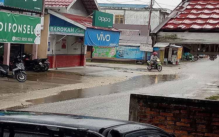 Hujan mengguyur Kuala Kurun, Minggu (13/1/2019)