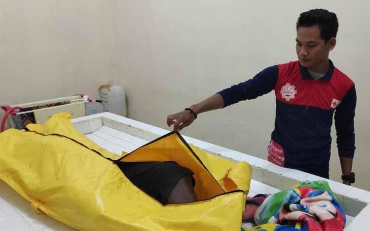 Jasad korban saat berada di kamar jenazah RSUD dr Murjani Sampit