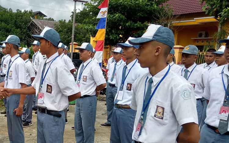 Aktivitas siswa pada salah satu SMA di Kabupaten Gunung Mas.
