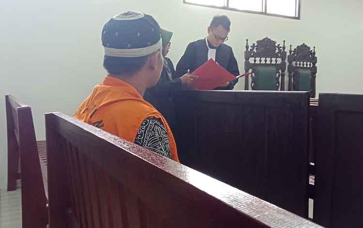 Indra Purnama alias Erdin alias Candra alias Wahyu alias Bayu, saat menjalani sidang di Pengadilan Negeri Sampit, Selasa (29/1/2019