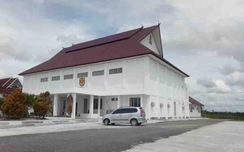 Gedung DPRD Gunung Mas yang baru.