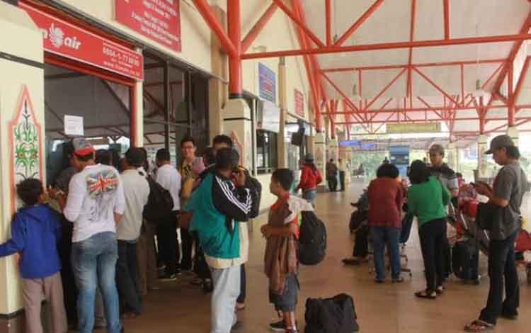 Penumpang transportasi di Bandara Tjilik Riwut Palangka Raya