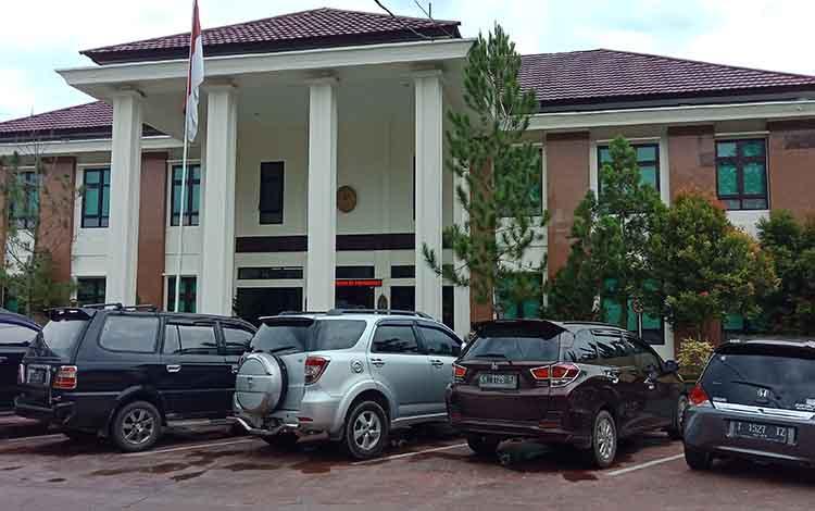 Pengadilan Negeri Sampit.