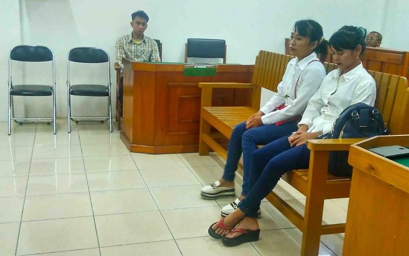 Saksi korban, Nor Aini memberikan keterangan di persidangan.