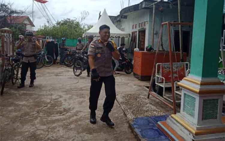 Kapolres Barsel AKBP Wahid Kurniawan menyambangi tokoh politik.