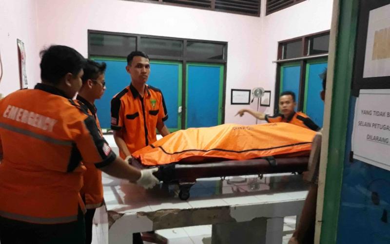 Jasad korban Fadli di RSUD Kuala Kapuas.