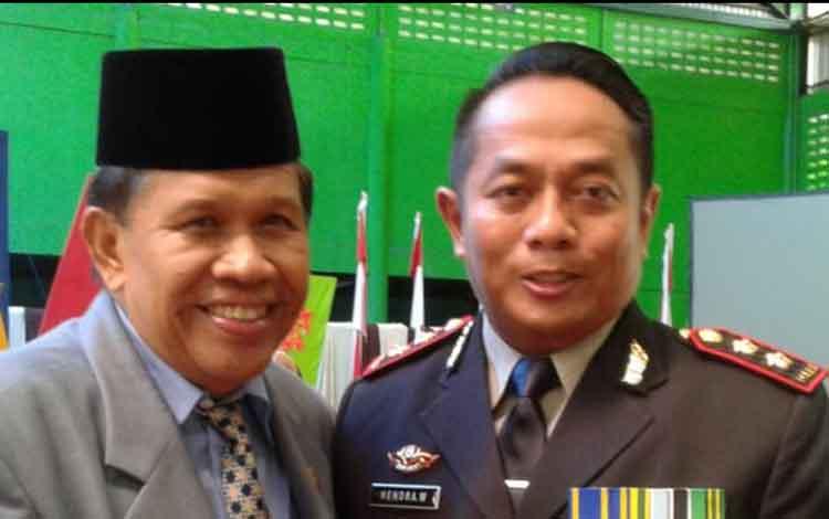 Wakil ketua Komisi A DPRD Kalteng M Fahruddin (kiri)