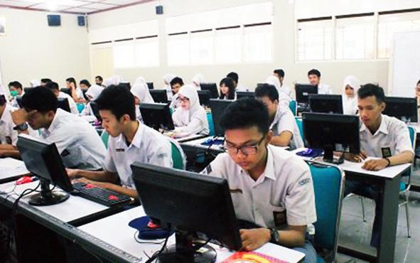 UNBK yang dilaksanakan di sekolah jenjang menengah atas.