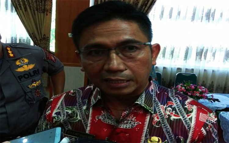 Kepala Dinas Pendidikan Provinsi Kalimantan Tengah, Slamet Winaryo