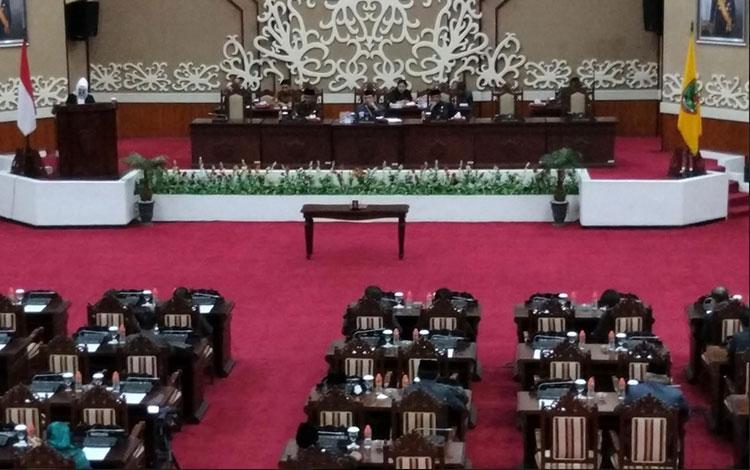 Rapat Rapat Paripurna Ke-4 Masa Persidangan I Tahun Sidang 2019 di aula Paripurna DPRD Kalteng
