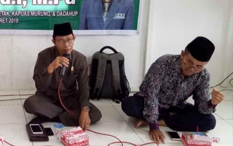 Anggota DPRD Kabupaten Kapuas Razikin saat melaksanakan reses perseorangan di wilayah Kecamatan Pulau Petak