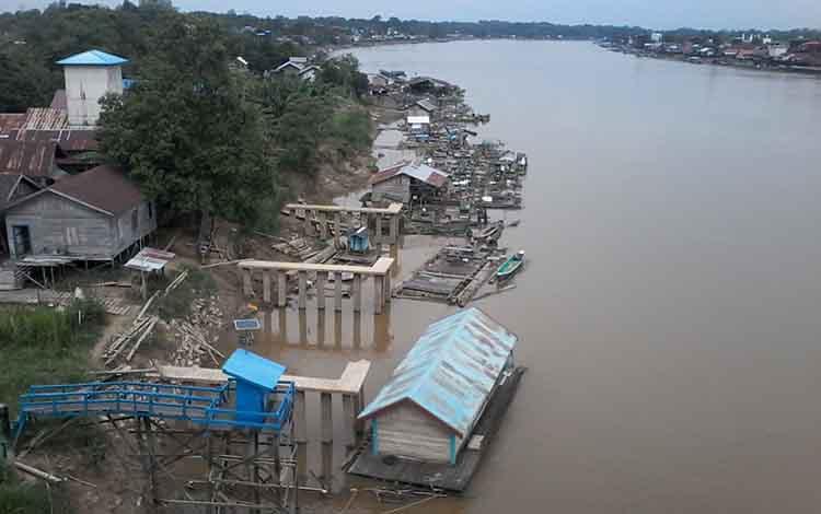 Sungai Katingan di Kasongan.