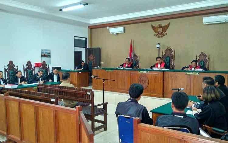 Persidangan mantan Bupati Katingan Ahmad Yantenglie di Pengadilan Tipikor Palangka Raya