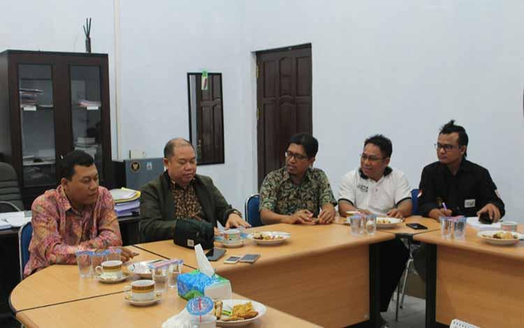 Rapat Koordinasi Komnas HAM bersama KPU Kalteng di kantor KPU Provinsi, Kota Palangka Raya, Jumat (29/3/2019).