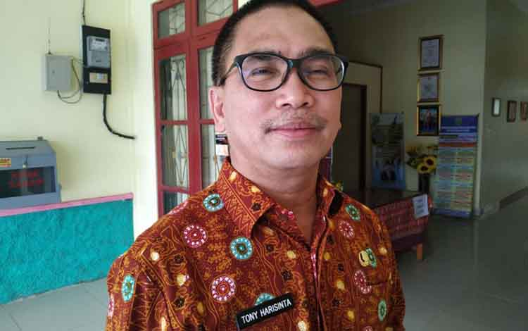 Kepala DPPKAD Pulang Pisau,  Toni Harisinta.