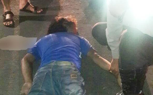 ZH tergeletak di tengah Jalan Sisingamangaraja, Kota Palangka Raya, sesaat setelah kecelakaan, Sabtu (6/4/2019) sekitar pukul19.01WIB.