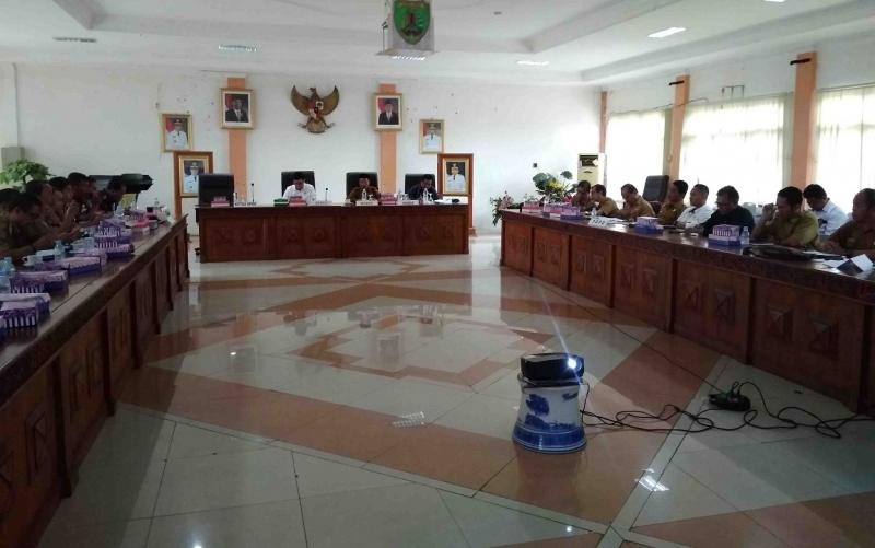 Rapat koordinasi tim Desk Pemilu 2019 di Kabupaten Barito Timur, Selasa (9/4/2019).