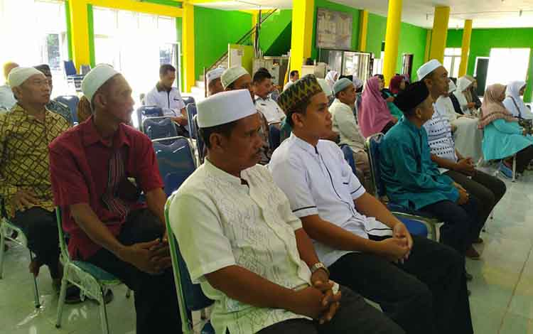 Puluhan calon haji mengikuti bimbingan manasik haji di Gedung LPTQ, Rabu (10/4/2019)