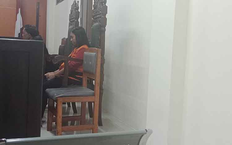Terdakwa kasus sabu, RD alias Ri di Pengadilan Negeri Sampit.