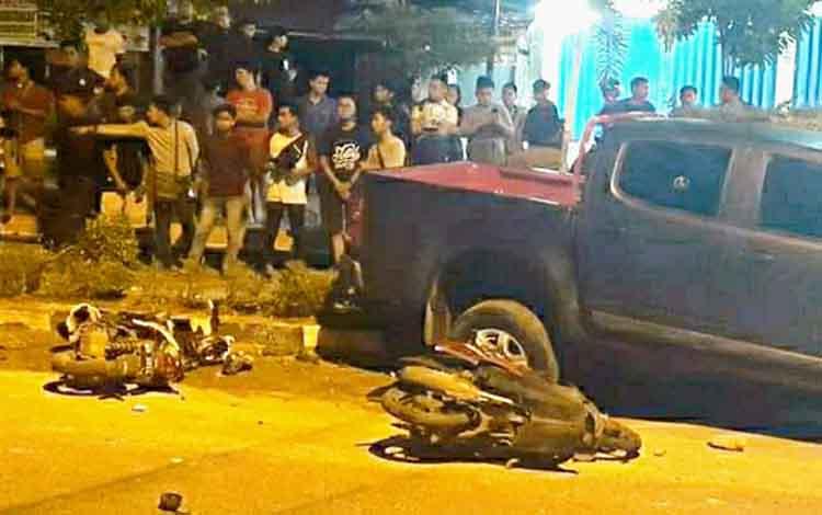 Kecelakaan lalu lintas di Jalan Yos Sudarso, Minggu (21/4/2019) malam.