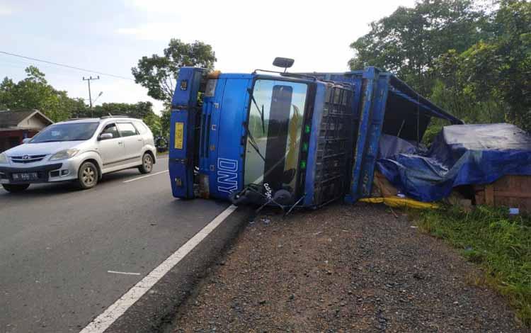 Truk terbalik di Pulang Pisau, Selasa (23/5/2019) pagi