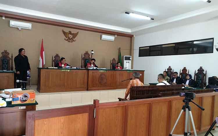 Sidang lanjutan Yantinglie terkait dugaan melakukan tindakpidana korupsi kas daerah Pemkab Katingan Rp100 miliar selalu (23/4/2019) lalu di pengadilan Tipikor Palangka Raya.