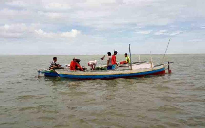 Proses pencarian nelayan Desa Sei Tabuk yang hilang, Minggu (28/4/2019).