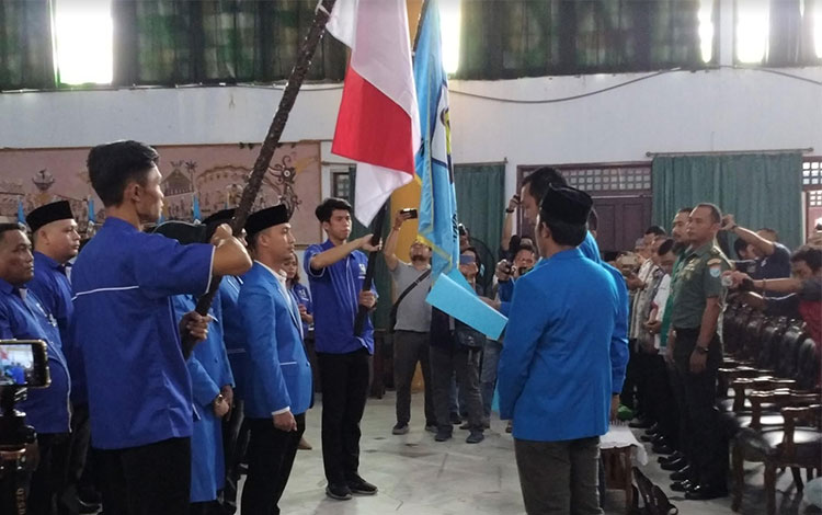 Pelantikan DPD KNPI Kalteng masa bakti 2018-2021 di aula Batang Garing Palangka Raya, Minggu (28/4)