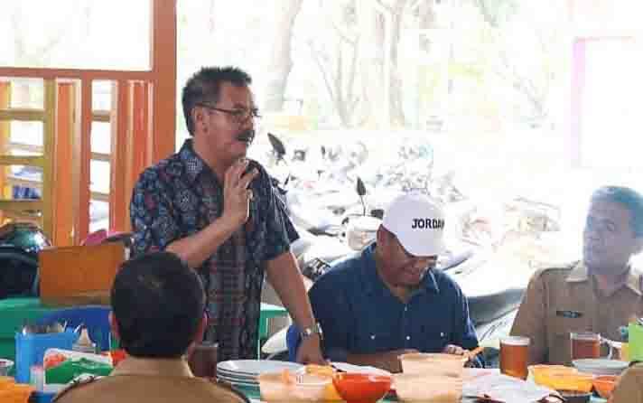 Kepala Dinas Kominfo Kalteng, Herson B Aden bersilaturahmi di Muara Teweh, Barito Utara, Selasa.