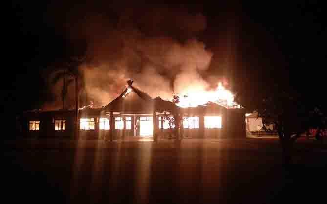 Kebakaran kantor Dinas Sosial Kotim.