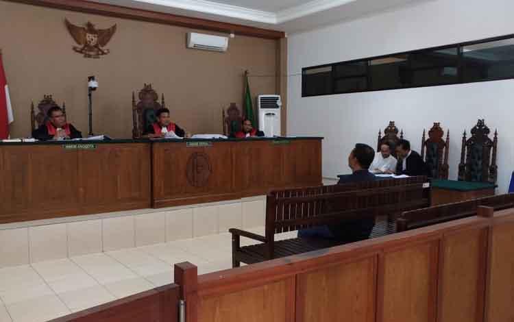 Yantenglie hadir sebagai saksi dalam sidang kasus Tipikor dengan terdakwa Tekli