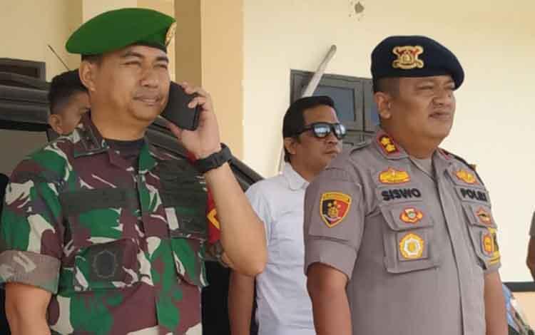 Dandim 1011/Klk Letnan Kolonel Kav Bambang Kristianto Bawono dan Kapolres Pulang Pisau AKBP Siswo Yuwono Bima Putra Mada.
