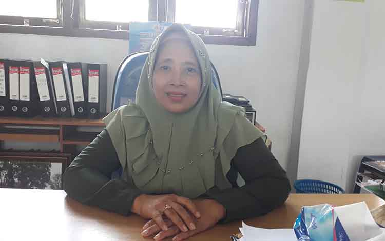 Kepala SMAN 2 Pangkalan Bun, Siti Farida Oktaria.