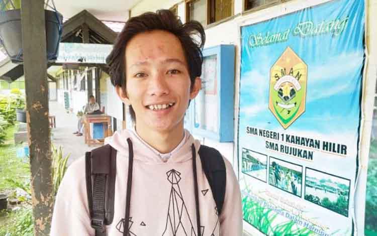 Muhammad Iriadi, siswa peraih terbaik kedua UNBK di SMAN 1 Kahayan Hilir