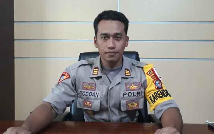 Kabag Ops Polres Kobar AKP Ritman Todoan Agung Giltom.