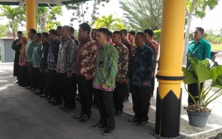 32 pejabat administrator, pejabat pengawas, dan pejabat fungsional saat dilantik