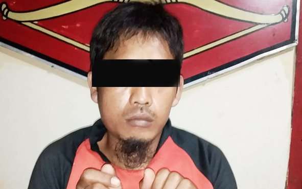 Terduga pencuri sapi di Camp PT AGU Avdeling Kandau F, Desa Butong, Kecamatan Teweh Tengah saat ditangkap jajaran Satreskrim Polres Barito Utara, Minggu, 19 Mei 2019.