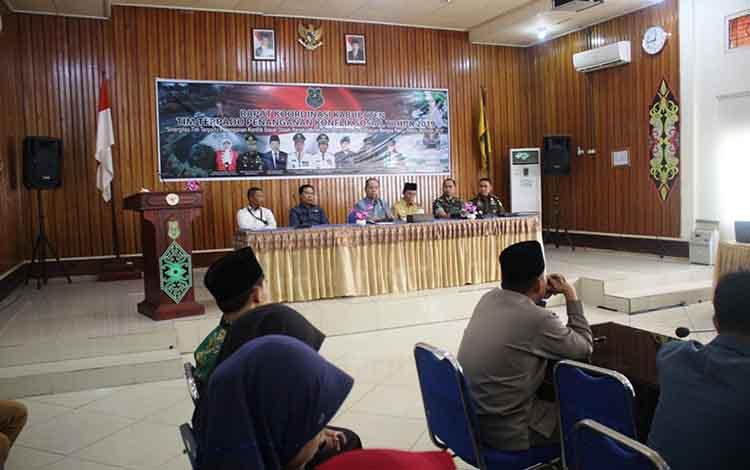 Suasana saat berlangsungnya Rapat Tim Terpadu Penanganan Konflik Sosial tingkat Kabupaten Kapuas di Aula Bappeda pada Selasa, 21 Mei 2019