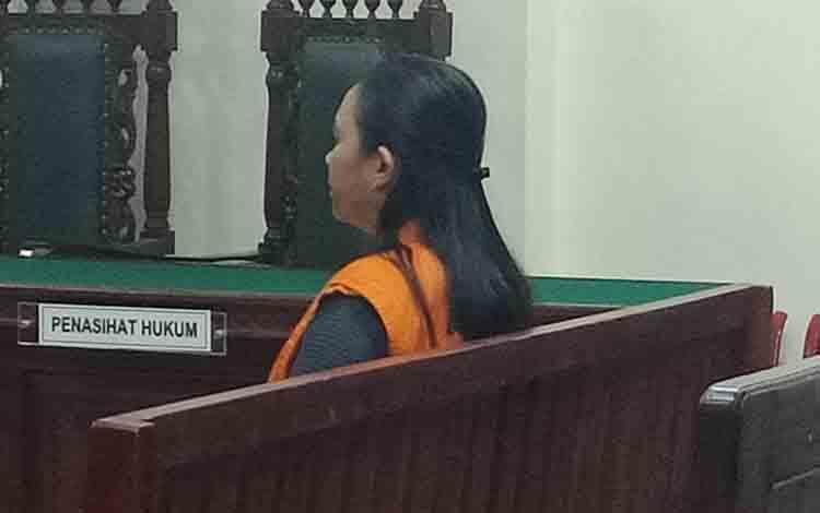 Terdakwa kasus sabu, RD alias Rin, menjalani sidang di Pengadilan Negeri Sampit.