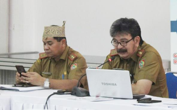 Kepala P3APPKB Provinsi Kalimantan Tengah Rian Tangkudung (tengah) saat memberikan paparan pada FGD di Aula Bapeddalitbang, Selasa, 21 Mei 2019.