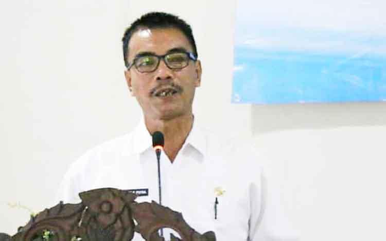 Wakil Bupati barito Utara ketika memberikan sambutan pada kegiatan sosialisasi program Bantuan Stimulan Perumahan Swadaya (BSPS).
