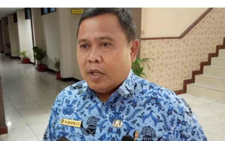 Plt. Kepala Dinas PUPR Kabupaten Kobar Juni Gultom