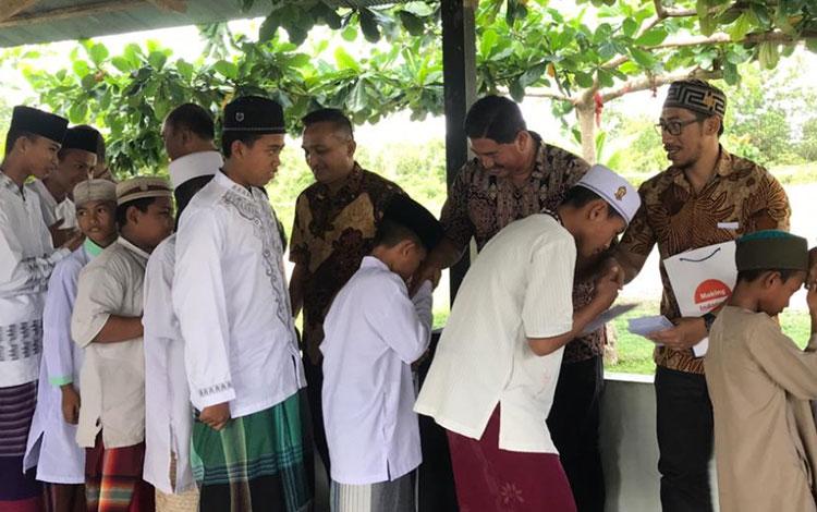 Safari Ramadan PT Sawit Sumbermas Sarana Tbk atau SSMS di Pangkalan Bun, Minggu, 26 Mei 2019