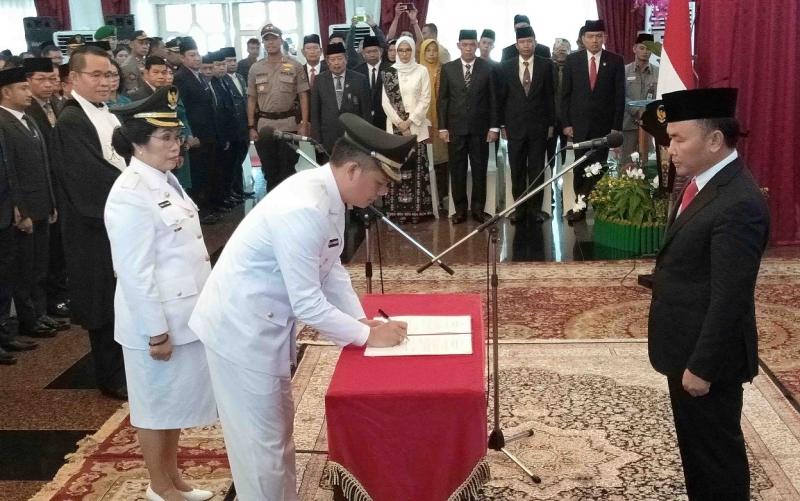 Pelantikan Bupati dan Wakil Bupati Gunung Mas terpilih periode 2019 - 2024 di Istana Isen Mulang.